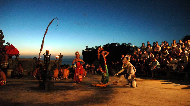 10 Alasan Mengapa Anda Harus Mengunjungi Bali