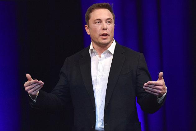 Elon Musk membuat pilihan antara uang kertas dan cryptocurrency